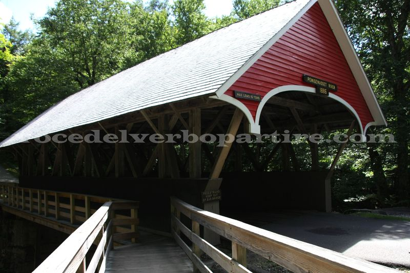 WHITE MOUNTAIN NATIONAL FOREST IN DUE GIORNI: COVERED BRIDGE