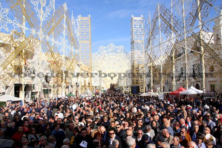 """FESTE PATRONALI IN PUGLIA: DOVE VEDERE UNA VERA """"RIFFA"""""""