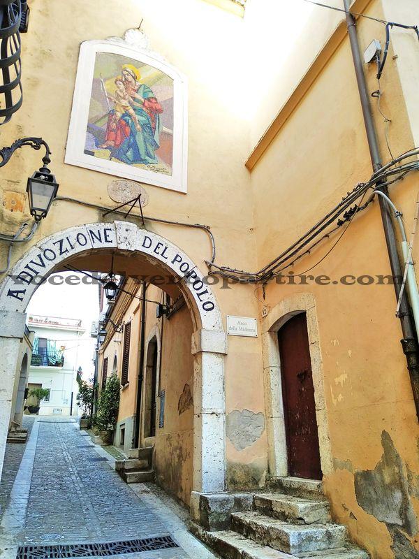 ITINERARIO IN DAUNIA VISITA AL CENTRO STORICO DI CANDELA