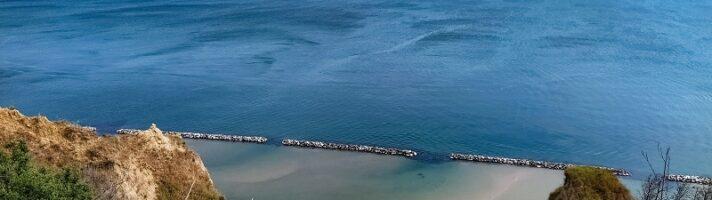 Come arrivare alla spiaggia di Fiorenzuola di Focara e dove parcheggiare