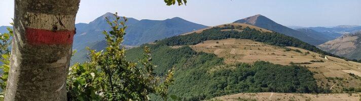 Trekking al Monte Strega di Sassoferrato: come arrivare alla Croce